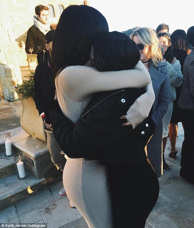 Kylie Jenner & Victoria Villarroel Gamero.